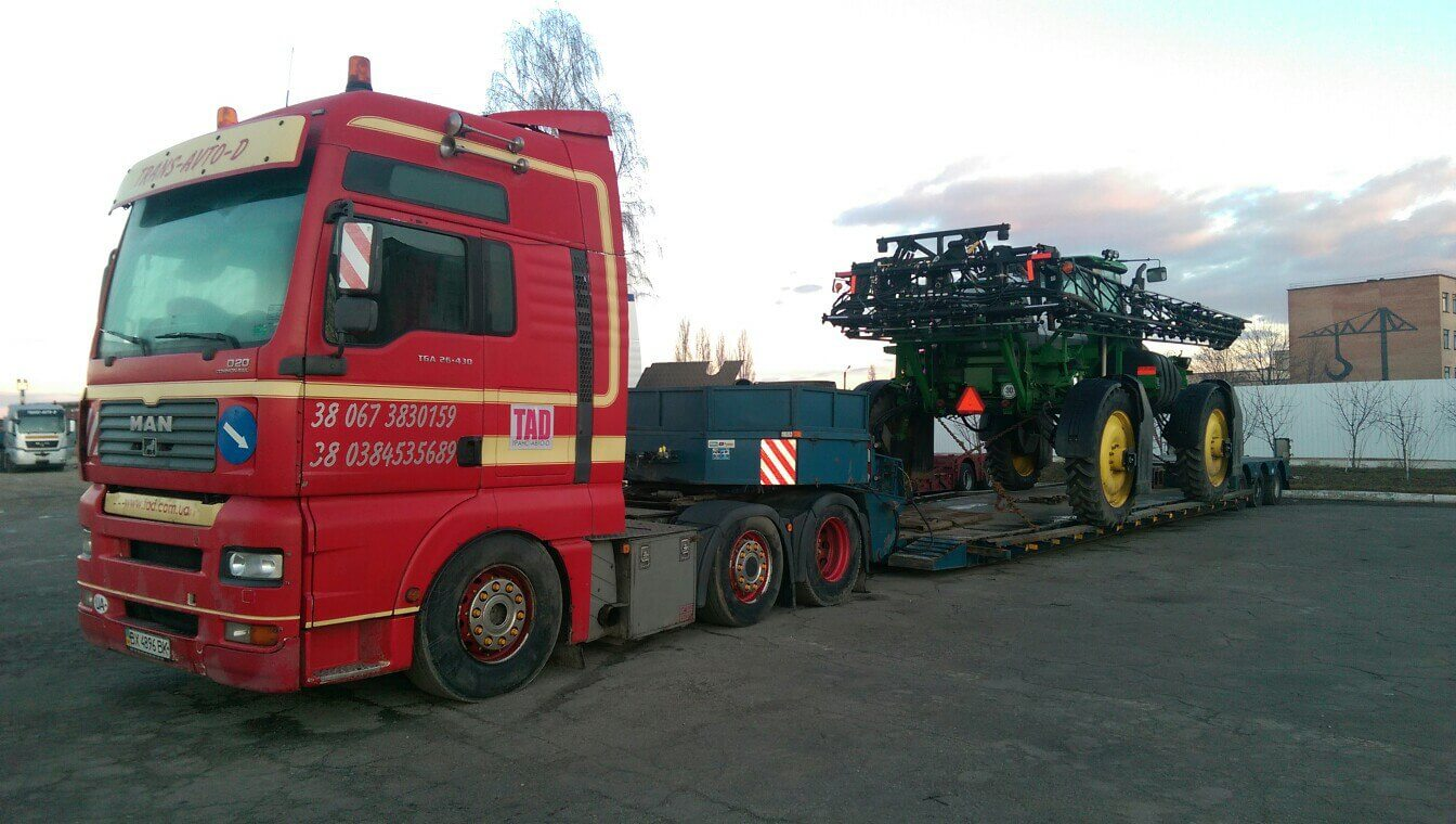 Transportation of a sprayer John Deere Kiev