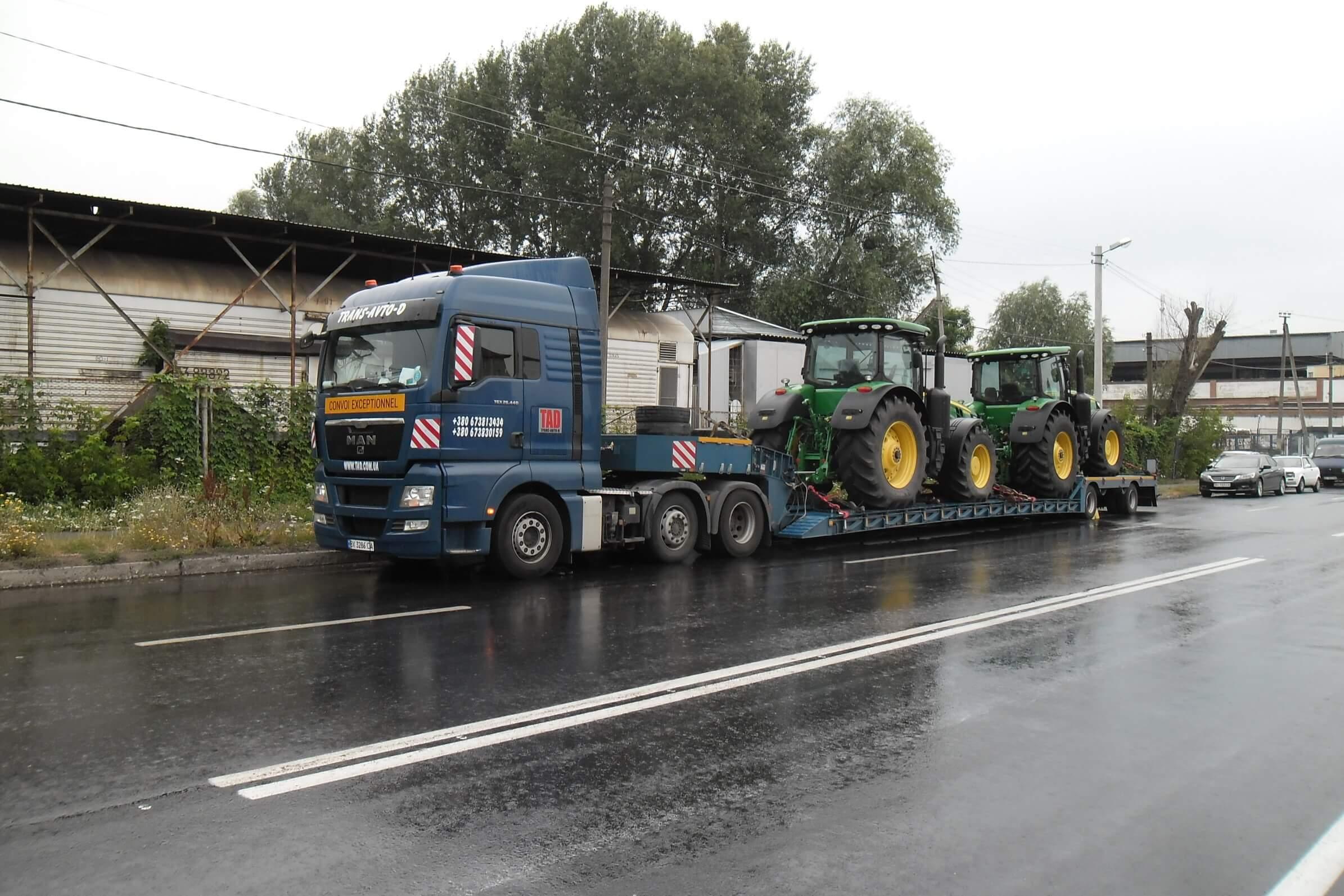 Негабаритная перевозка тракторов John Deere