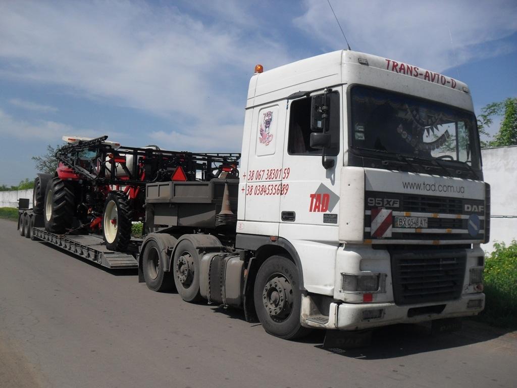 Перевозка-трактора-Case-и-опрыскивателя