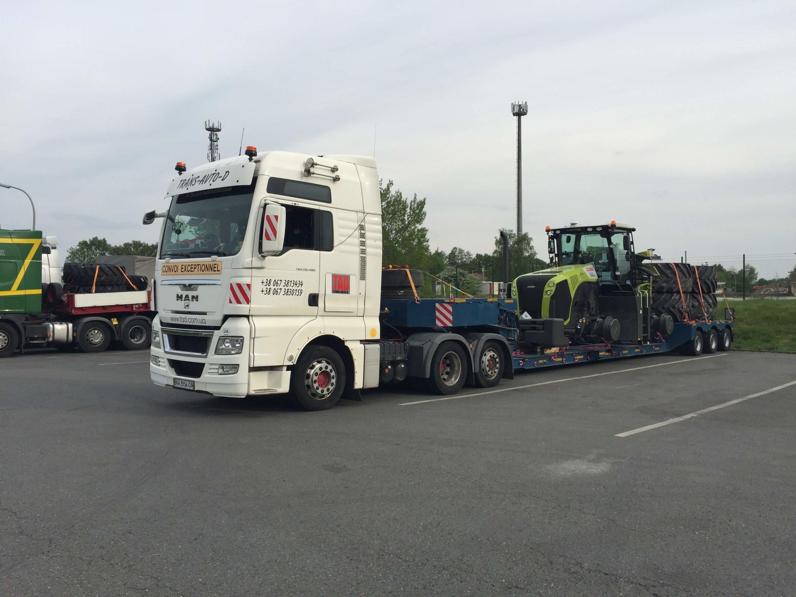 Перевозка трактора Claas с Германии