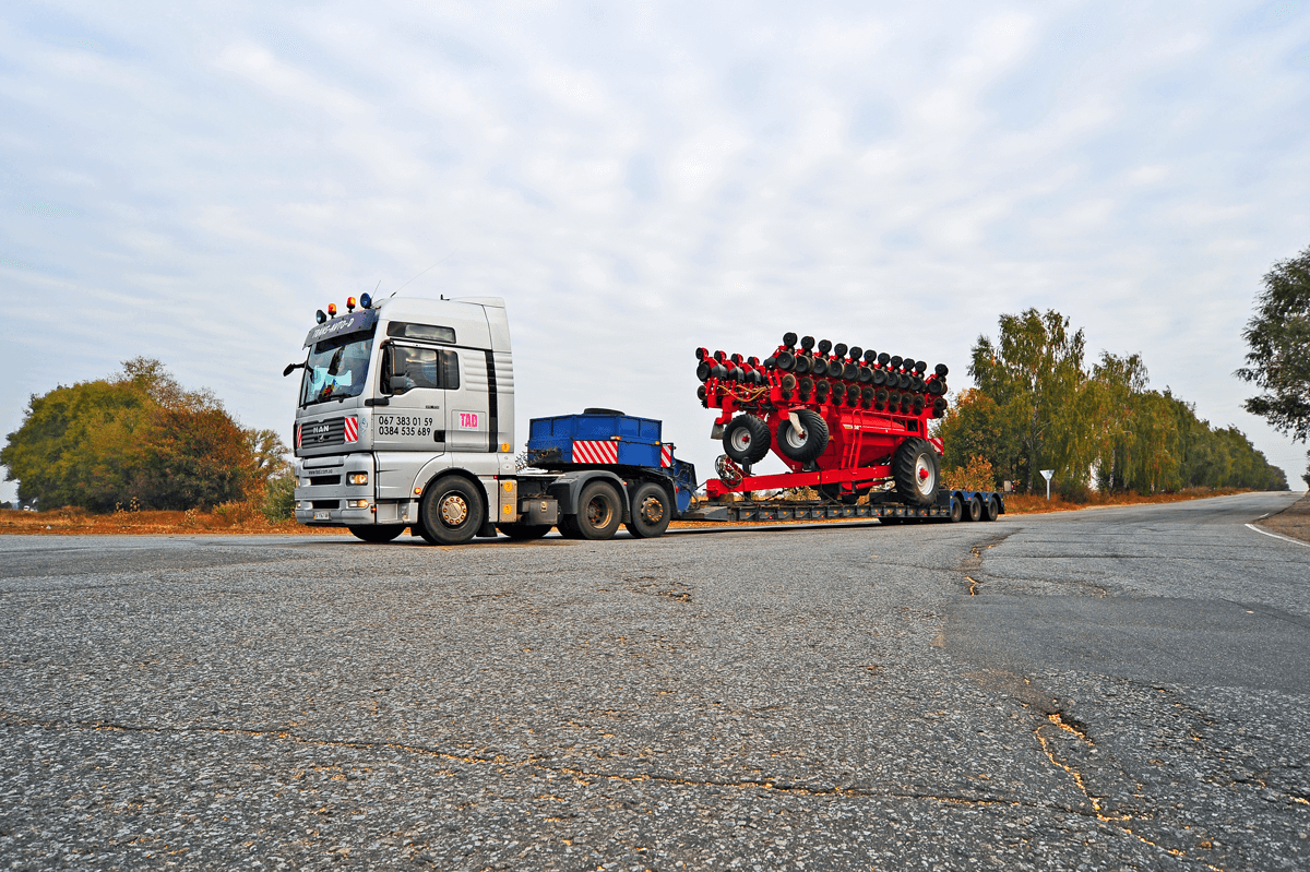 Transportation of HORSCH Sevalk from Europe
