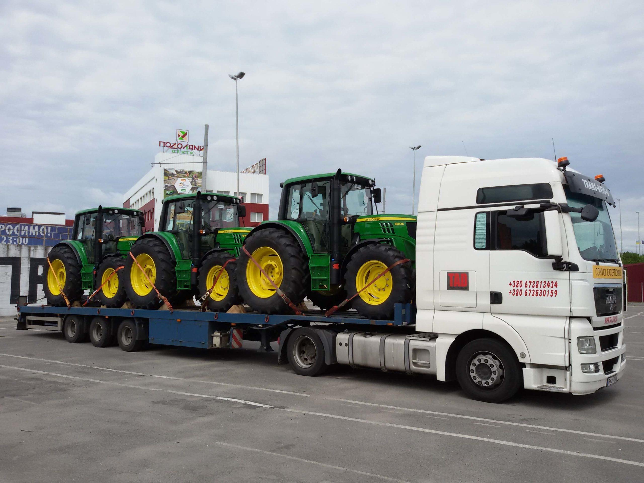 Перевозка тракторов John Deere 6125