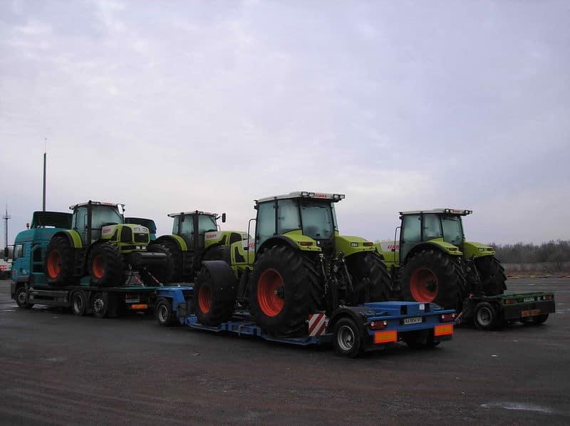 Перевезення тракторів Клас, сільгосптехніка