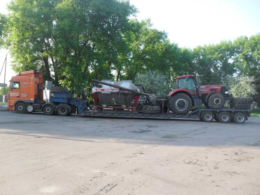 Перевозка трактора Case