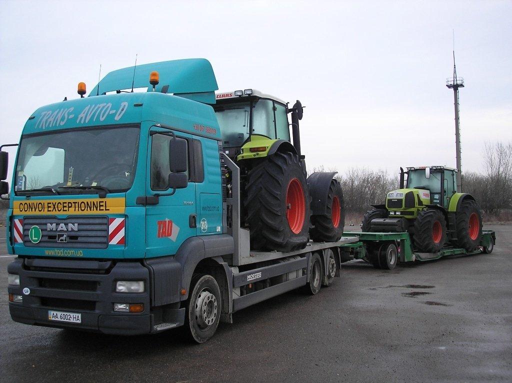 Перевозка новых тракторов Джон Дир