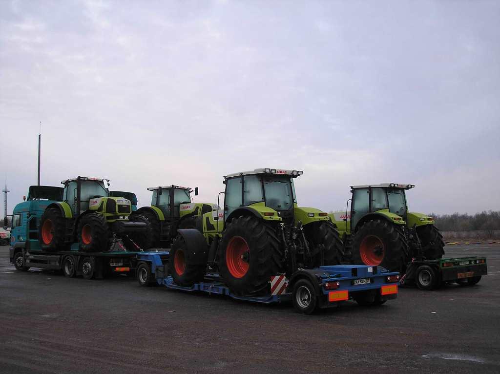 Перевозка тракторов XERION Франция Украина