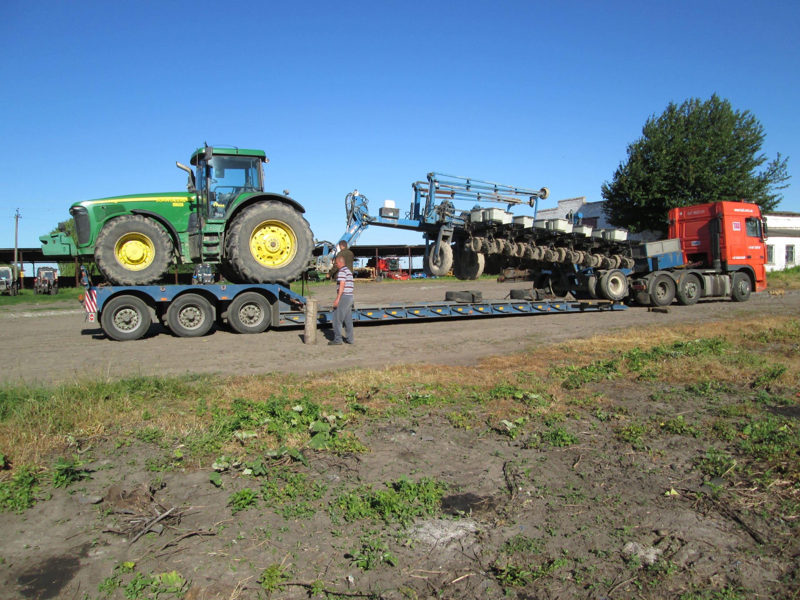 Перевозка трактора john deere по Украине