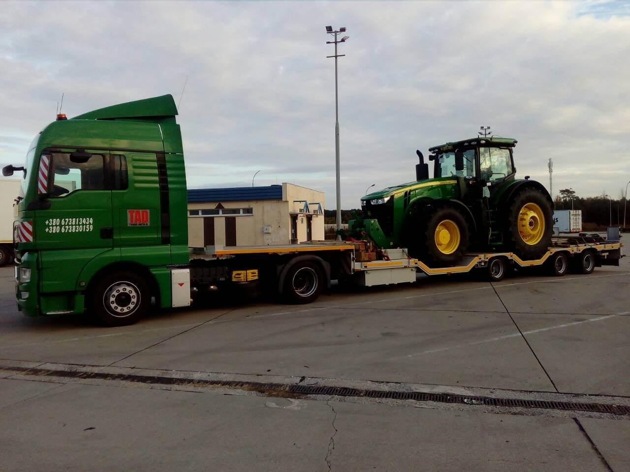 Перевозка трактора Джон Дир по Украине