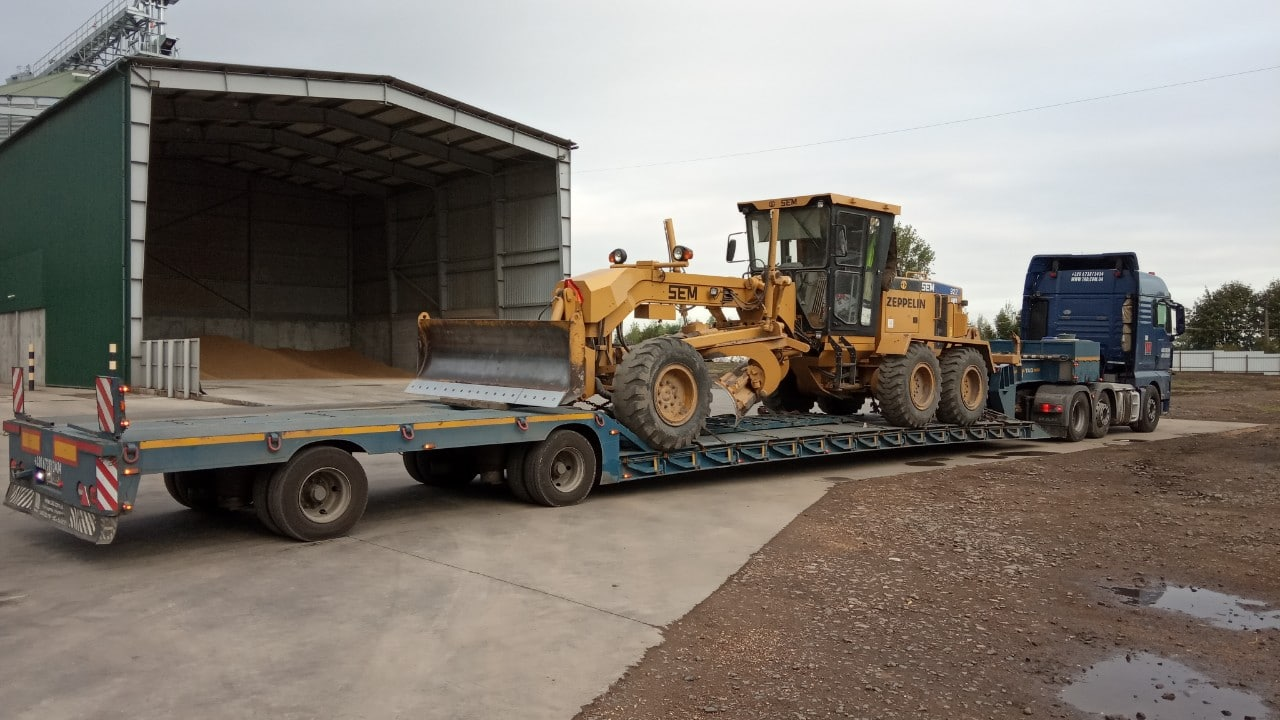 SEM Road Bulldozer Transportation