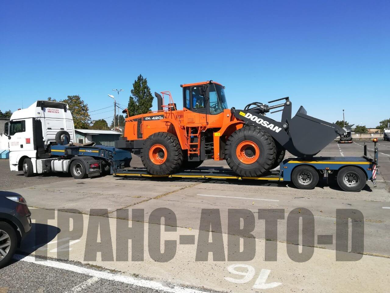 Transportation of the Doosan bulldozer from Europe to Ukraine - 3
