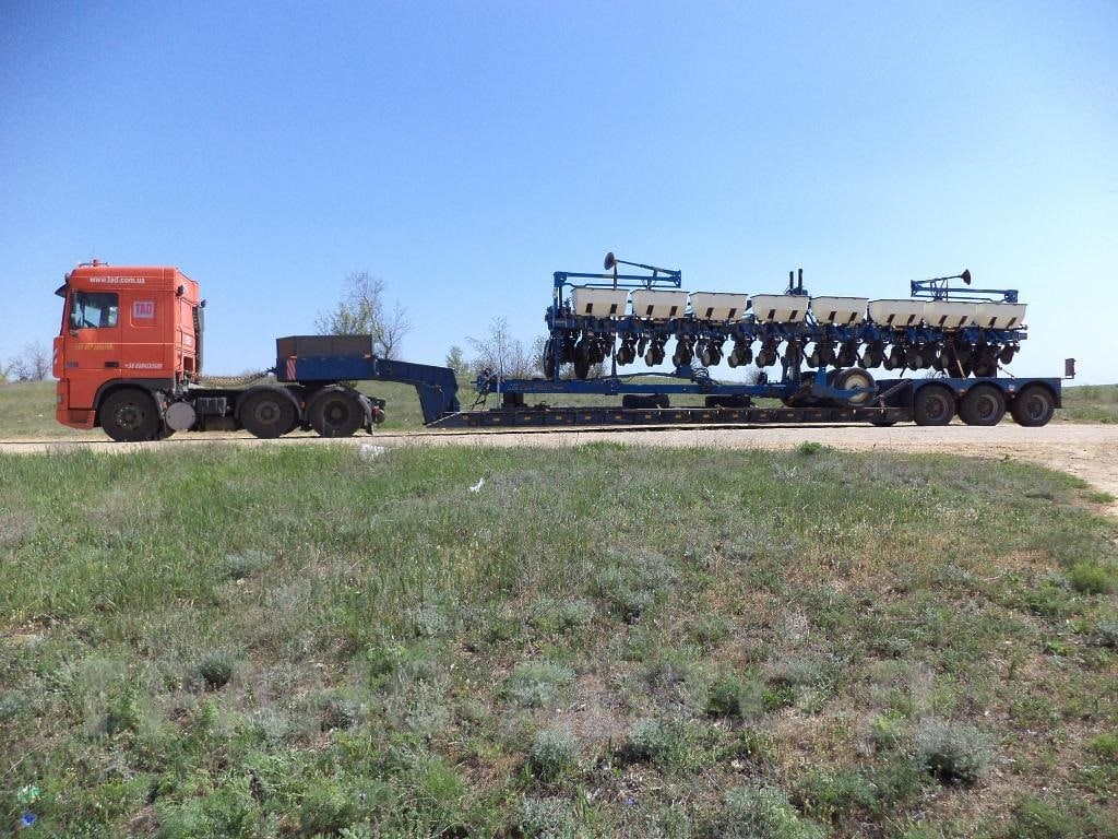 Sowing unit transportation in Ukraine