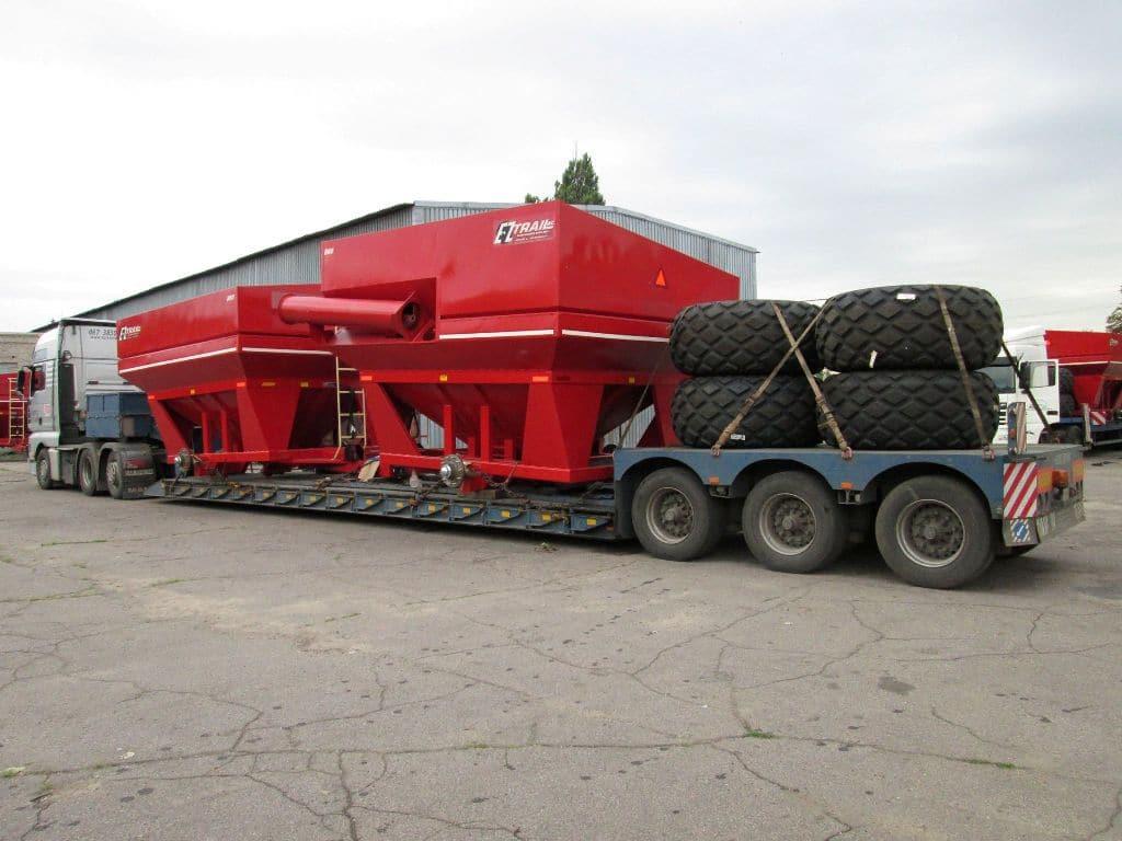 Fertilizer spreader transportation