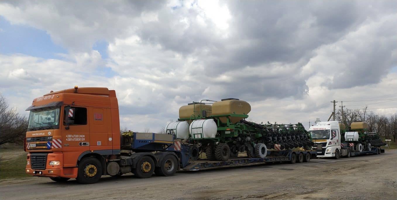 Перевезення навісного сільхоз обладнення