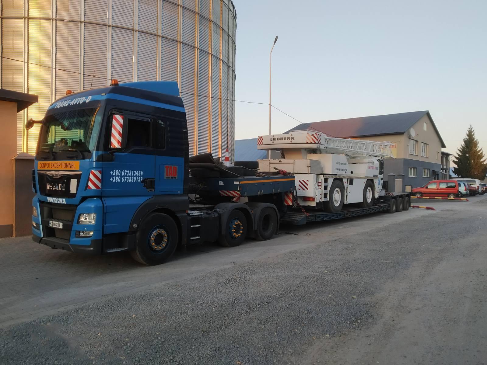 Transportation of the popular Liebherr LTM 1030 - 2 mobile crane - 2