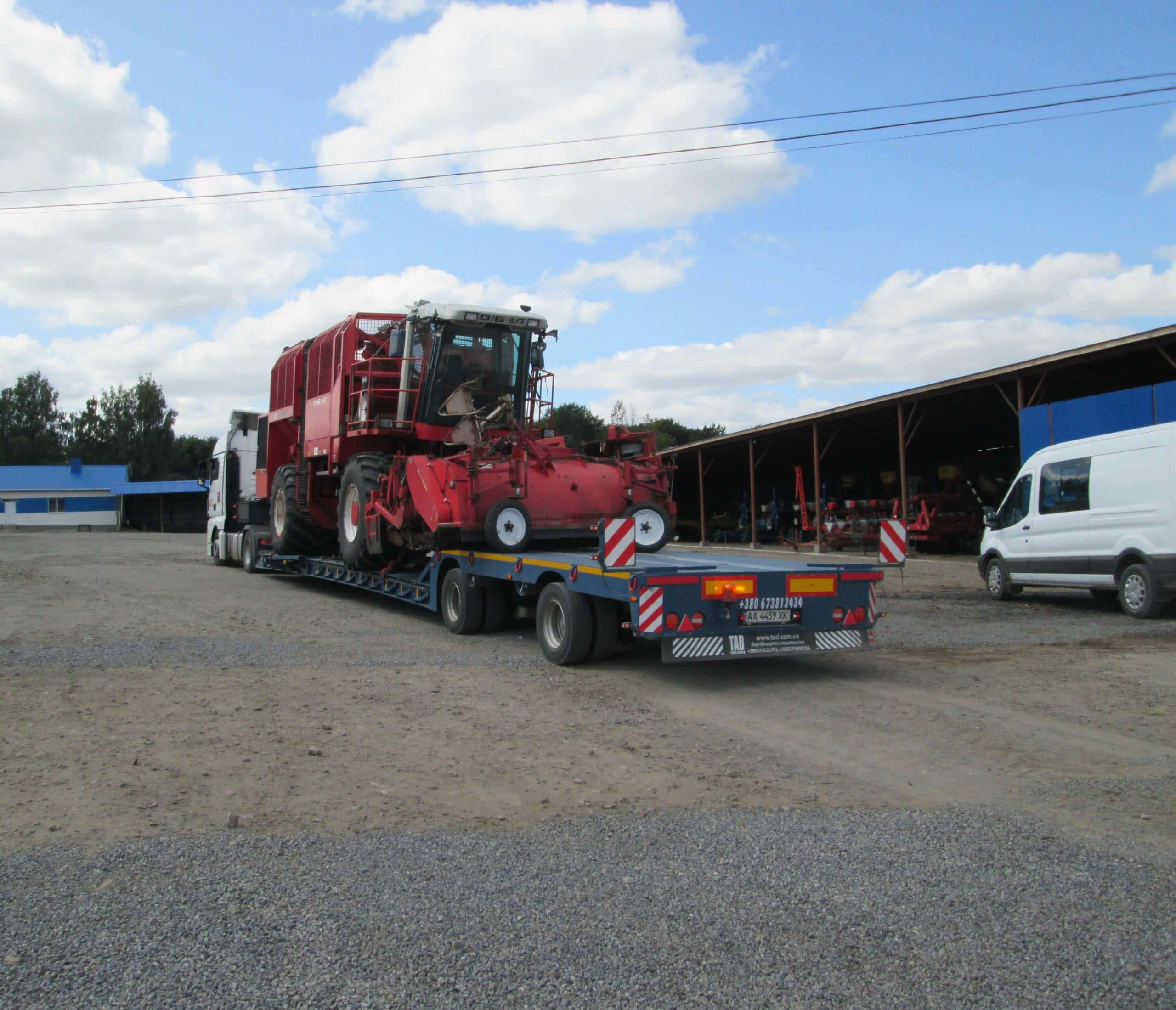 Combine harvester transportation