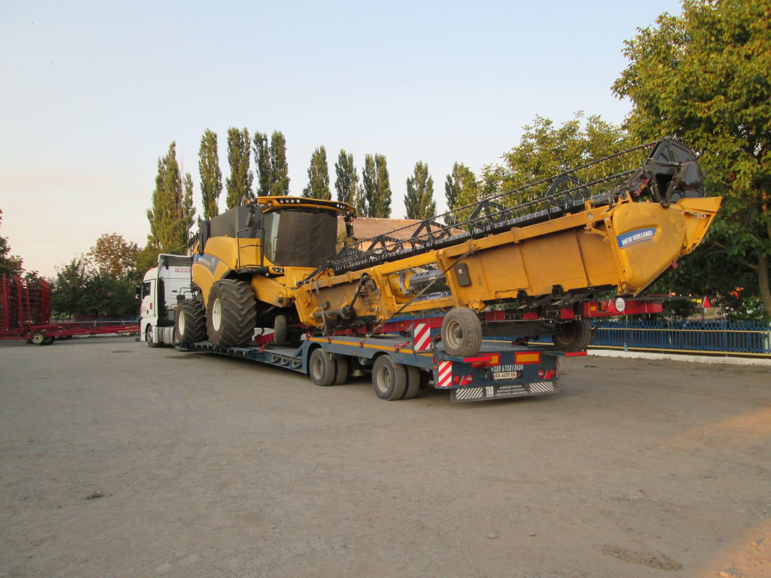 Transportation-Harvester-New-Holland-