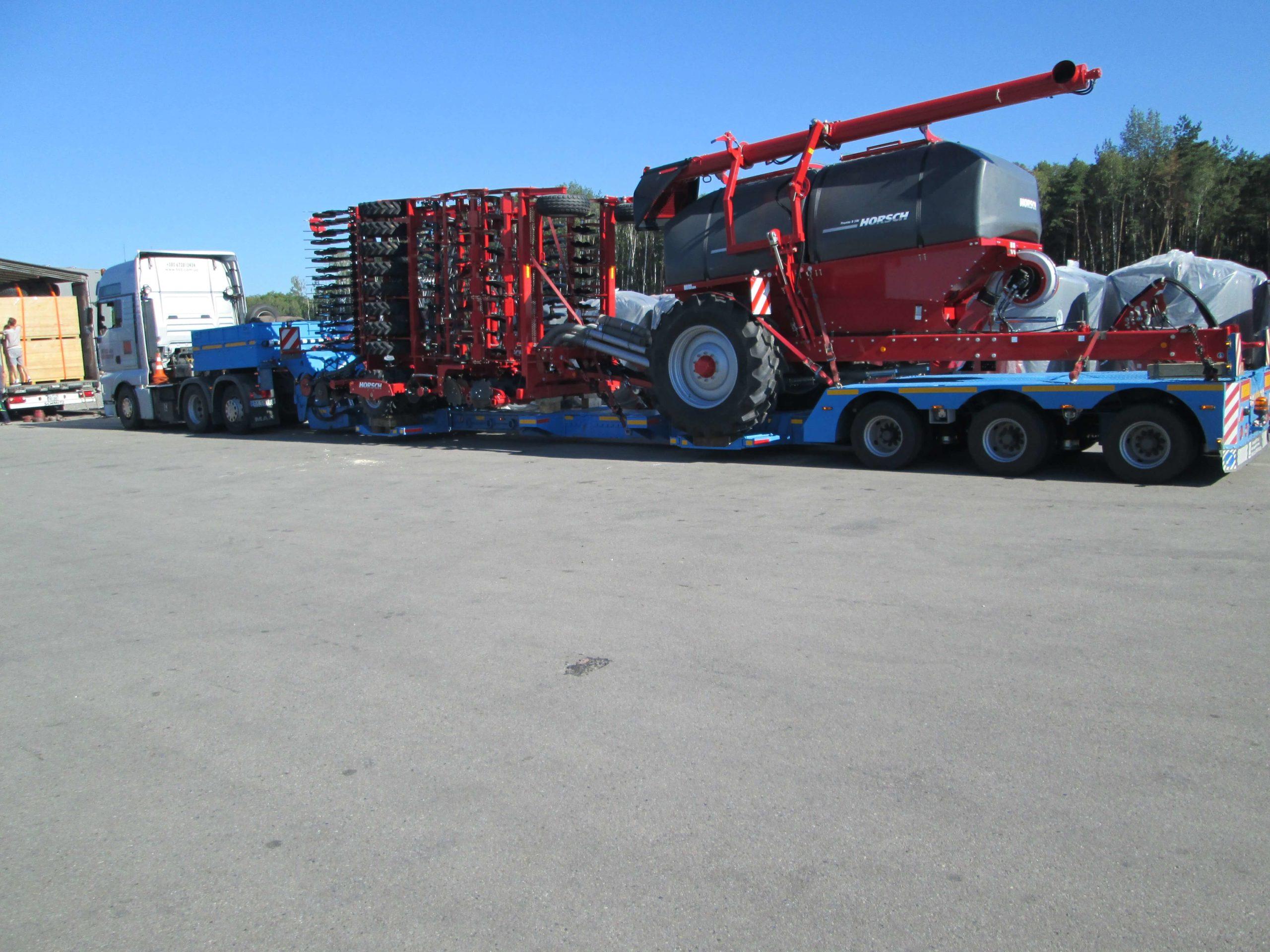Перевозка-сельскохозяйственной-техники-Horsсh