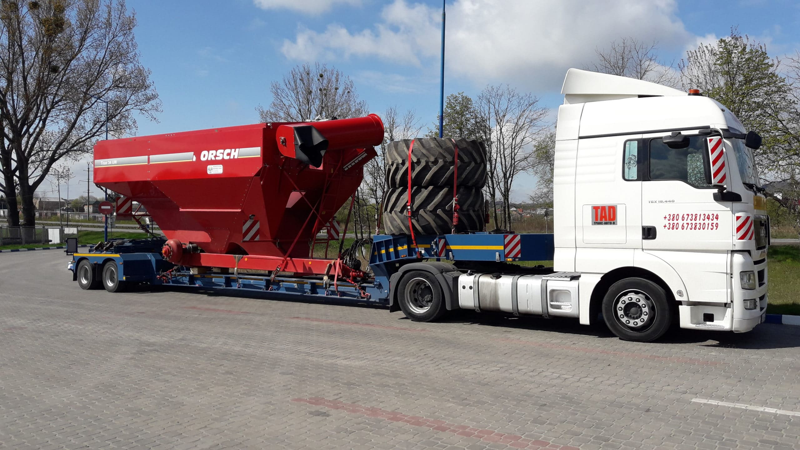Fertilizer spreader transport -Horsch-Pronto