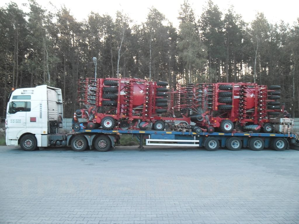 Transportation of agricultural machinery - 3