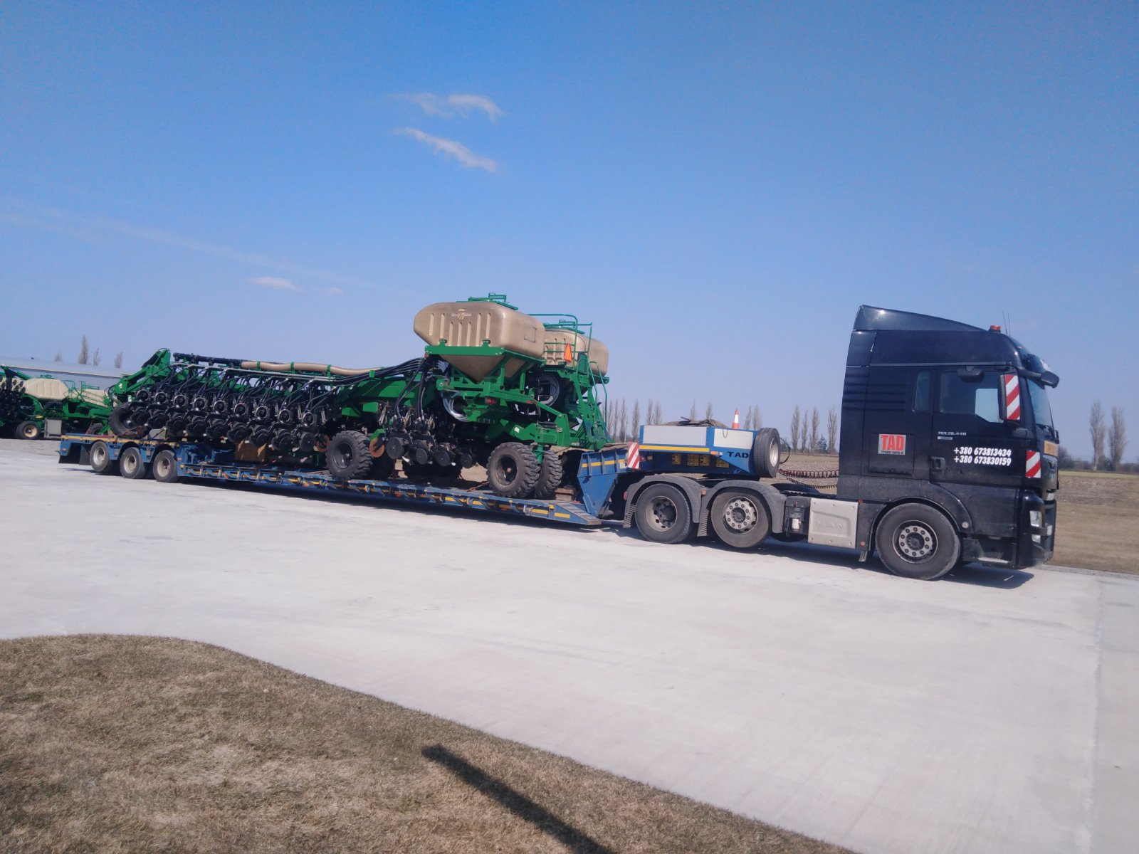 Transporting a mounted seeder