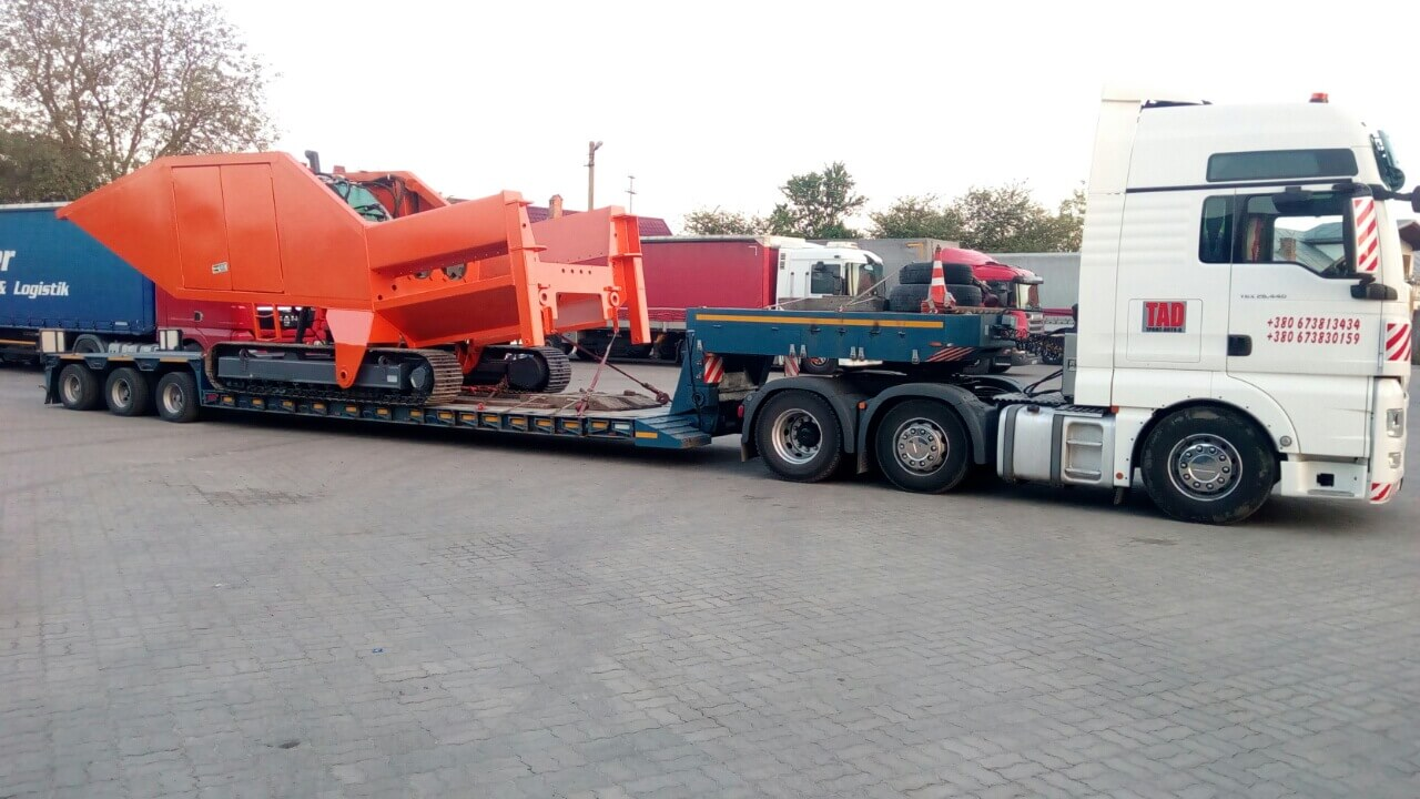 Transportation-equipment-for-construction-roads