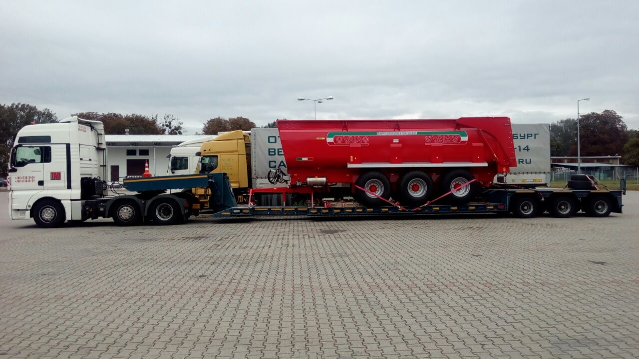 Transport-tipper-tractor-trailers-VAIA-28-from-Poland-to-Ukraine