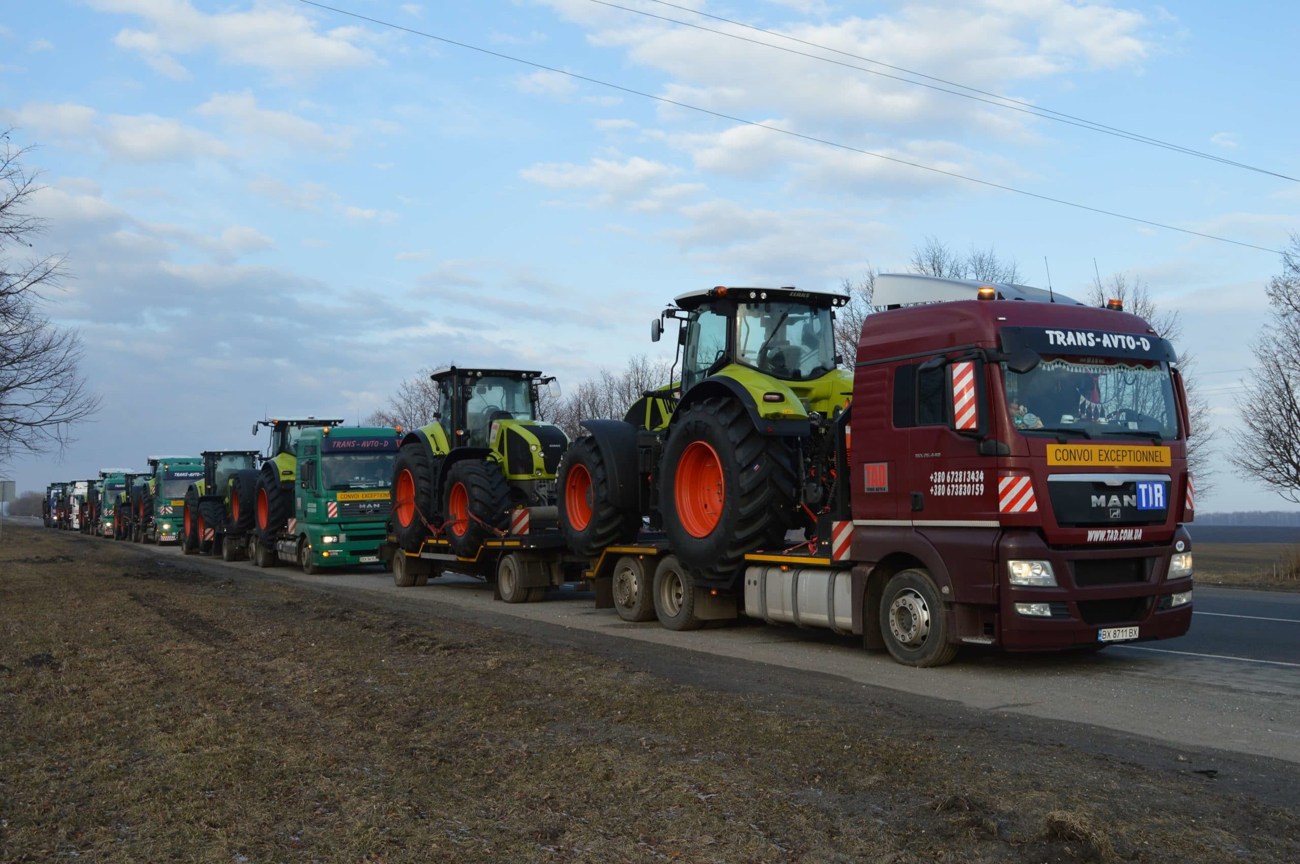 Transportation-tractors-CLAAS-AXION-930-from-France-to-Ukraine