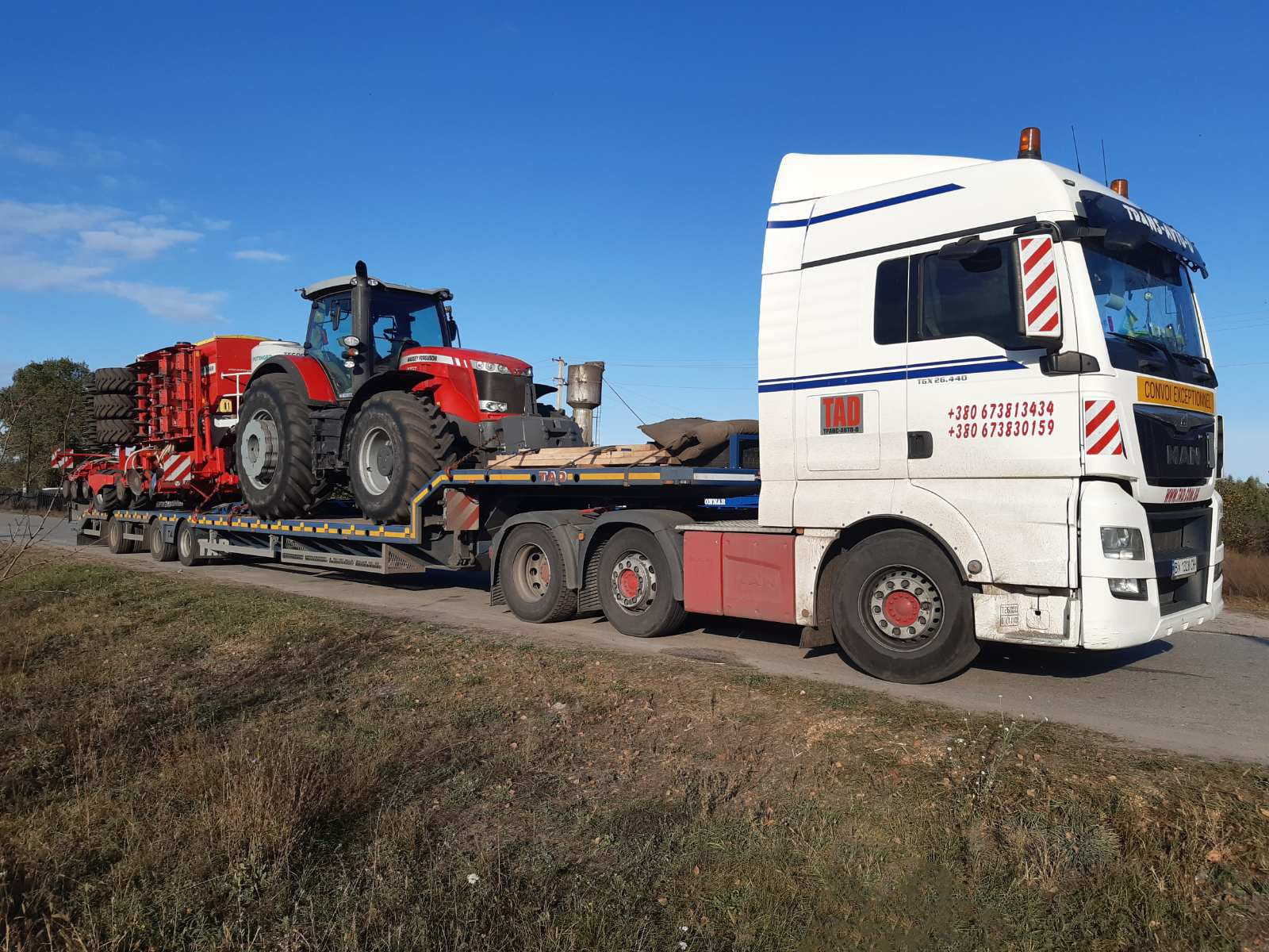 Transportation of a Massey Ferguson 8737 tractor and a Pottinger Terrasem C6