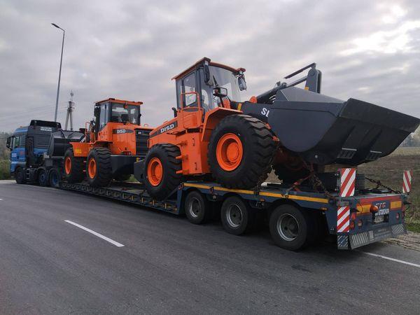 Transportation of wheel loaders DISD SD300N
