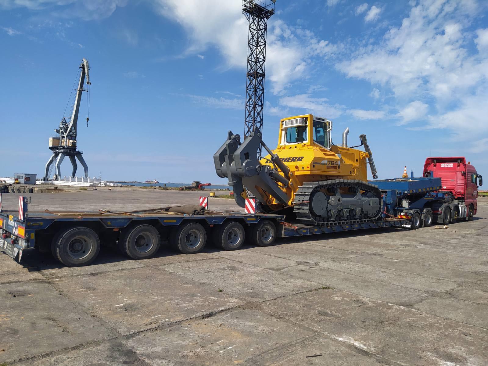 Негабаритные перевозки бульдозера Liebherr 764 по Украине - 2